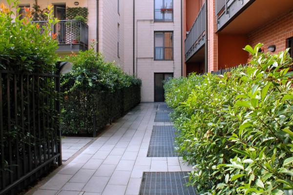 Bilocale Milano Via Oreste Salomone 12