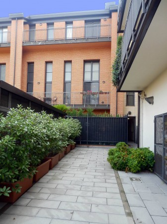 Bilocale Milano Via Oreste Salomone 13