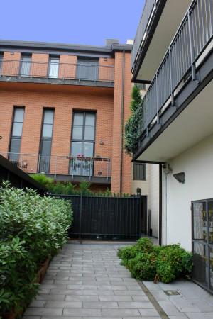 Bilocale Milano Via Oreste Salomone 2
