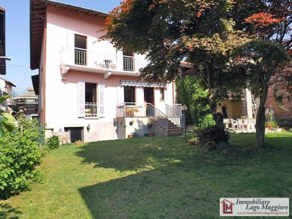 Appartamento in vendita a Taino, 5 locali, prezzo € 180.000 | Cambio Casa.it