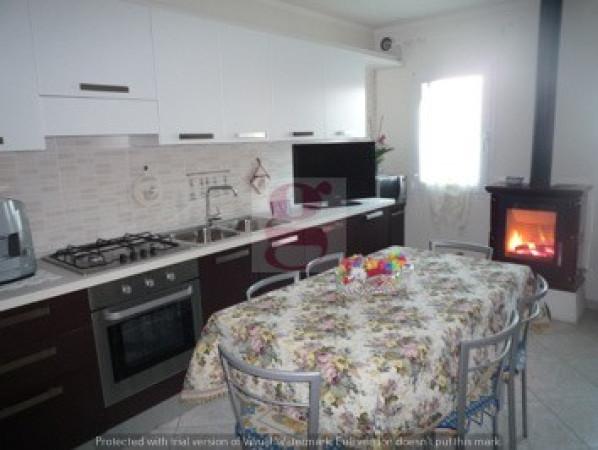 Villa in vendita a Anguillara Veneta, 4 locali, prezzo € 155.000 | Cambio Casa.it