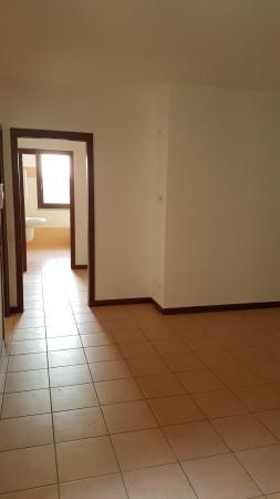 Appartamento in vendita a Castello di Brianza, 3 locali, prezzo € 178.000 | Cambio Casa.it