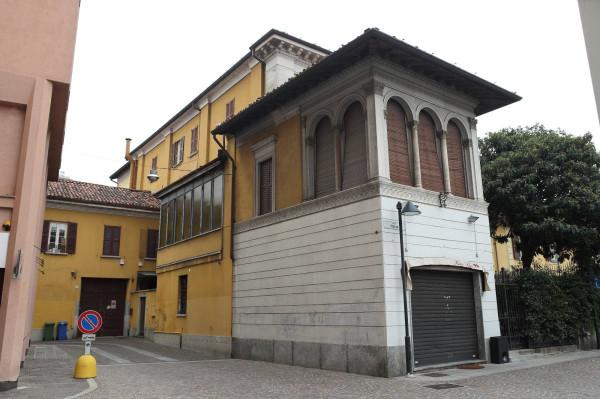 Negozio / Locale in vendita a Seregno, 2 locali, prezzo € 600.000 | Cambio Casa.it