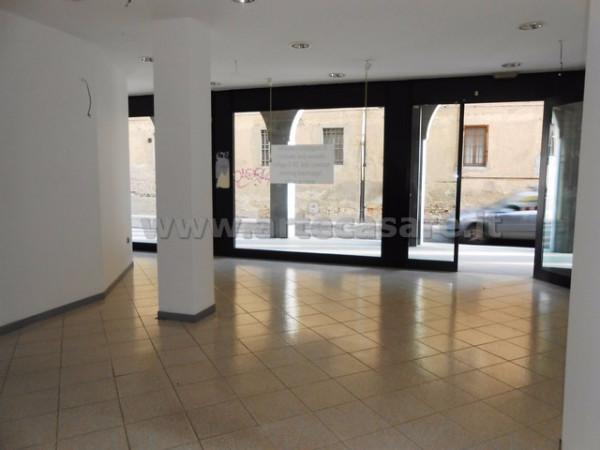 Negozio / Locale in affitto a Busto Garolfo, 2 locali, prezzo € 600 | Cambio Casa.it