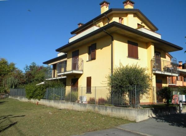 Appartamento in vendita a Cardano al Campo, 3 locali, prezzo € 134.000 | Cambio Casa.it