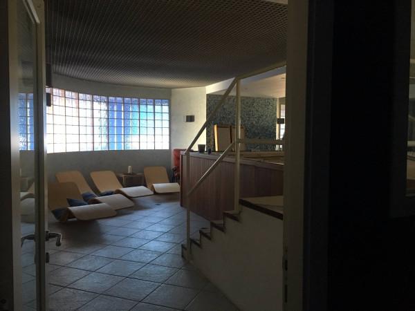 Negozio / Locale in affitto a Paruzzaro, 6 locali, prezzo € 3.000 | Cambio Casa.it