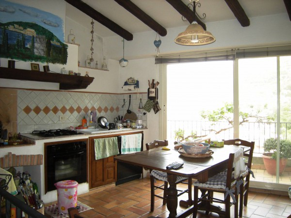 Soluzione Indipendente in vendita a Itri, 4 locali, prezzo € 160.000 | Cambio Casa.it