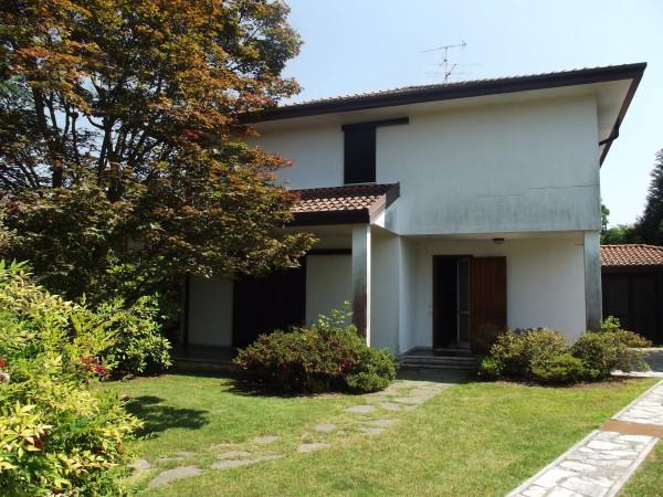 Villa in vendita a Castelletto Sopra Ticino, 6 locali, prezzo € 360.000 | Cambio Casa.it
