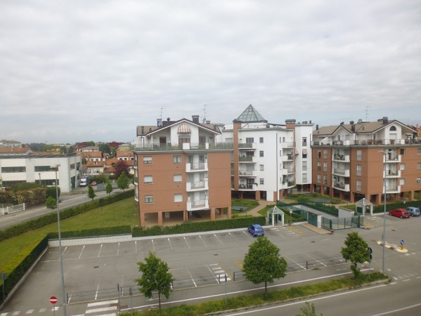Appartamento in vendita a Gallarate, 3 locali, prezzo € 145.000 | Cambio Casa.it