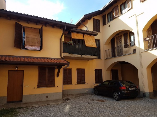 Appartamento in vendita a Bregnano, 3 locali, prezzo € 113.000 | Cambio Casa.it