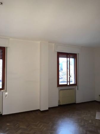 Appartamento in vendita a Ferrara, 5 locali, prezzo € 288.000 | Cambio Casa.it