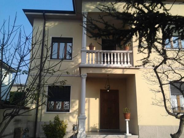 Appartamento in vendita a Lainate, 3 locali, prezzo € 200.000 | Cambio Casa.it