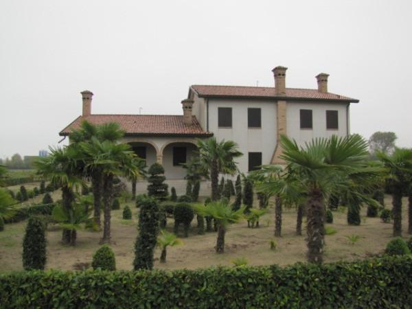 Villa in vendita a Rosolina, 6 locali, prezzo € 250.000   Cambio Casa.it