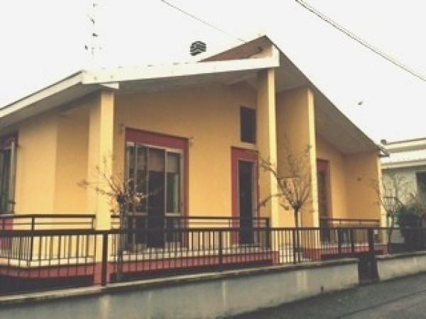 Villa in affitto a Podenzano, 4 locali, prezzo € 650 | Cambio Casa.it