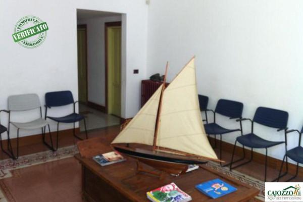 Ufficio / Studio in vendita a Palermo, 6 locali, prezzo € 550.000 | Cambio Casa.it