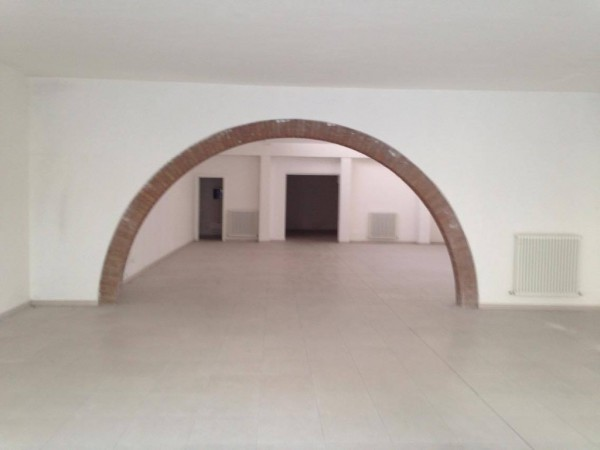 Negozio / Locale in affitto a Cavezzo, 2 locali, prezzo € 1.500 | Cambio Casa.it