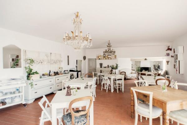 Negozio / Locale in vendita a Pistoia, 6 locali, prezzo € 350.000 | Cambio Casa.it