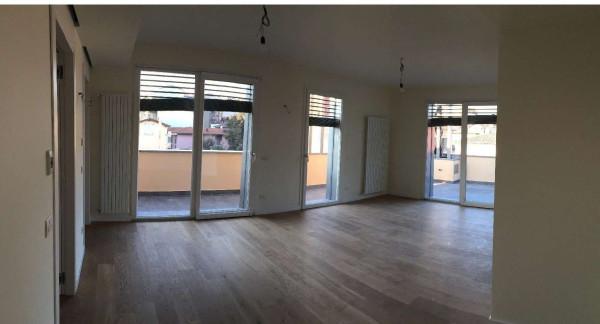 Appartamento in affitto a Varese, 4 locali, prezzo € 1.900 | Cambio Casa.it