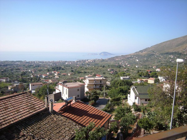 Appartamento in vendita a Formia, 3 locali, prezzo € 115.000 | Cambio Casa.it