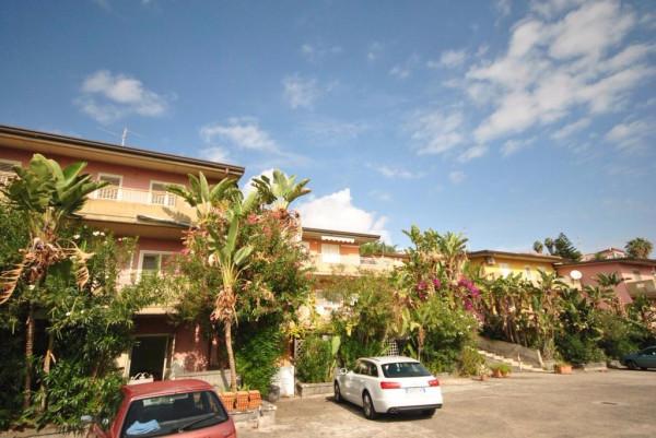 Appartamento in Vendita a Aci Castello Centro: 2 locali, 55 mq