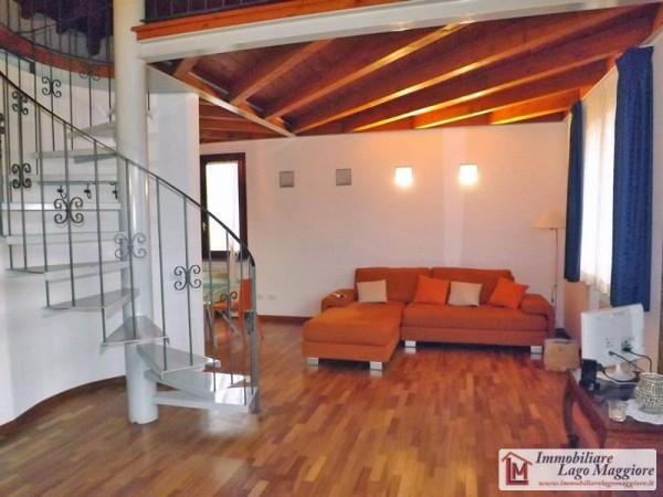 Attico / Mansarda in affitto a Angera, 2 locali, prezzo € 550 | Cambio Casa.it
