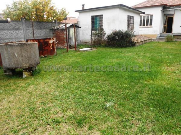 Villa in vendita a Canegrate, 2 locali, prezzo € 200.000 | Cambio Casa.it