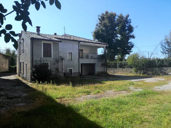 Villa in Vendita a Carpaneto Piacentino: 5 locali, 300 mq