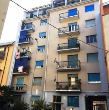 Appartamento in vendita a Baranzate, 2 locali, prezzo € 65.000 | Cambio Casa.it