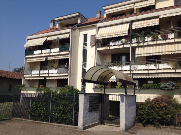 Appartamento in vendita a Cardano al Campo, 4 locali, prezzo € 145.000   Cambio Casa.it