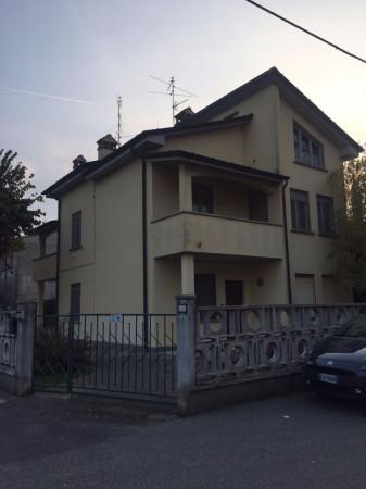 Villa in vendita a Castiglione d'Adda, 4 locali, prezzo € 212.000   Cambio Casa.it
