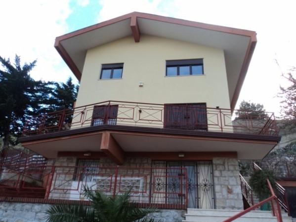Villa in vendita a Altofonte, 9999 locali, prezzo € 480.000 | Cambio Casa.it
