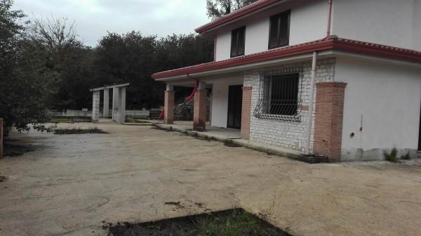 Villa in vendita a Monteforte Irpino, 4 locali, prezzo € 290.000 | Cambio Casa.it