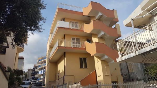 Appartamento in vendita a Roccalumera, 3 locali, prezzo € 130.000 | Cambio Casa.it