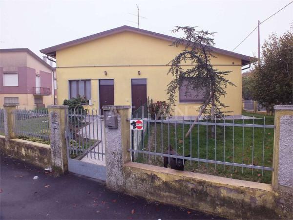 Villa in vendita a Bigarello, 6 locali, prezzo € 160.000 | Cambio Casa.it