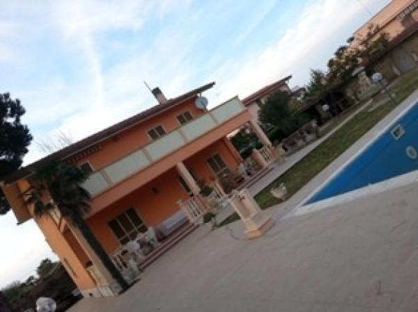 Villa in affitto a Roma, 5 locali, zona Zona: 38 . Acilia, Vitinia, Infernetto, Axa, Casal Palocco, Madonnetta, prezzo € 1.450 | Cambio Casa.it