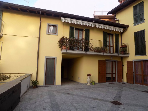 Appartamento in affitto a Calolziocorte, 2 locali, prezzo € 400 | Cambio Casa.it