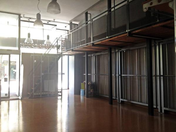 Negozio / Locale in affitto a Pesaro, 4 locali, prezzo € 3.000 | Cambio Casa.it