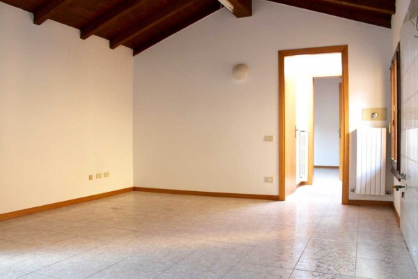Appartamento in vendita a San Pietro in Casale, 2 locali, prezzo € 69.000   Cambio Casa.it