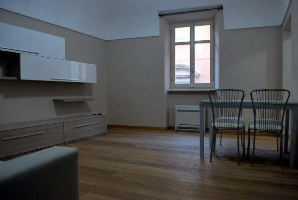 Appartamento in affitto a Alba, 2 locali, prezzo € 750 | Cambio Casa.it