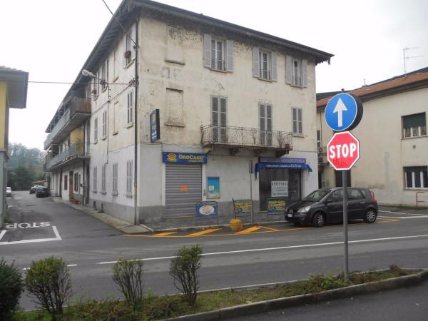 Negozio / Locale in affitto a Besozzo, 2 locali, prezzo € 550 | CambioCasa.it