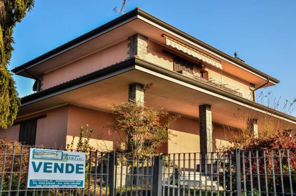 Villa in vendita a Borgomanero, 4 locali, prezzo € 390.000 | Cambio Casa.it