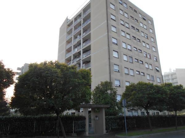 Appartamento in affitto a Garbagnate Milanese, 3 locali, prezzo € 600 | Cambio Casa.it