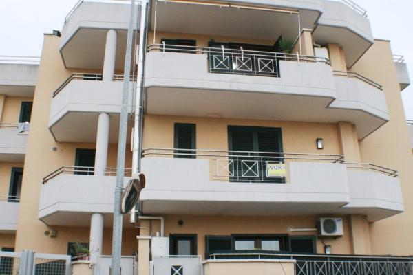 Appartamento in vendita a Lizzanello, 5 locali, prezzo € 145.000 | Cambio Casa.it