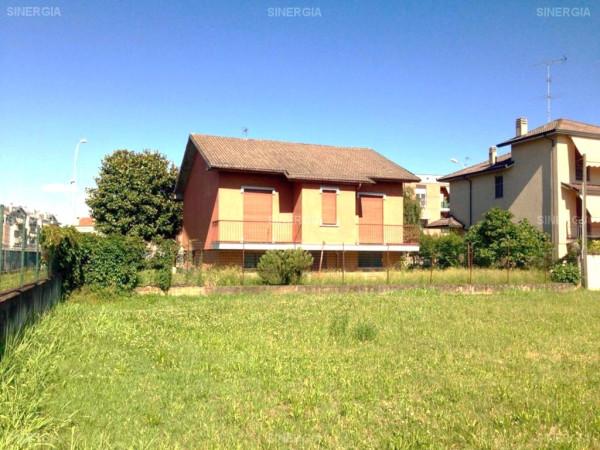 Villa in vendita a Abbiategrasso, 4 locali, prezzo € 235.000 | CambioCasa.it