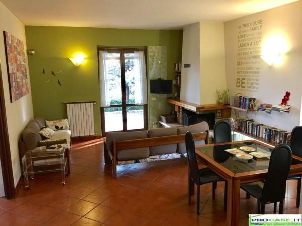 Villa in vendita a Saronno, 4 locali, prezzo € 750.000 | Cambio Casa.it