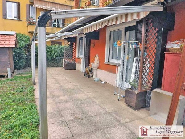 Appartamento in vendita a Ispra, 4 locali, prezzo € 155.000 | Cambio Casa.it
