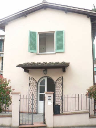 Soluzione Indipendente in affitto a Lastra a Signa, 5 locali, prezzo € 800 | Cambio Casa.it