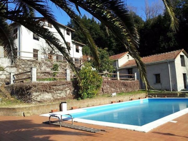 Villa in Vendita a Genova Semicentro Nord: 650 mq