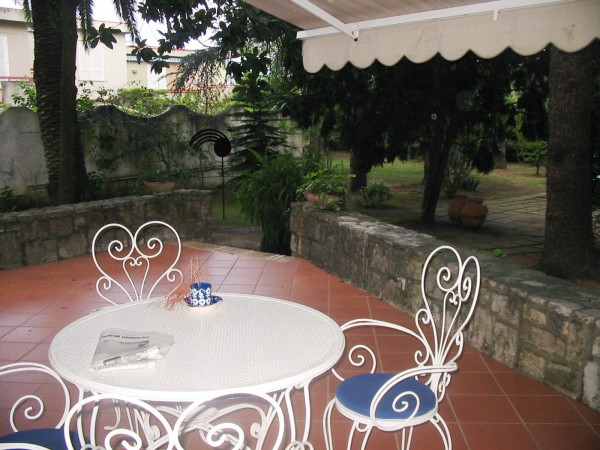 Villa in vendita a Formia, 6 locali, prezzo € 700.000 | Cambio Casa.it