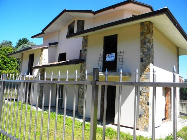 Villa in vendita a Gallarate, 6 locali, prezzo € 385.000 | Cambio Casa.it